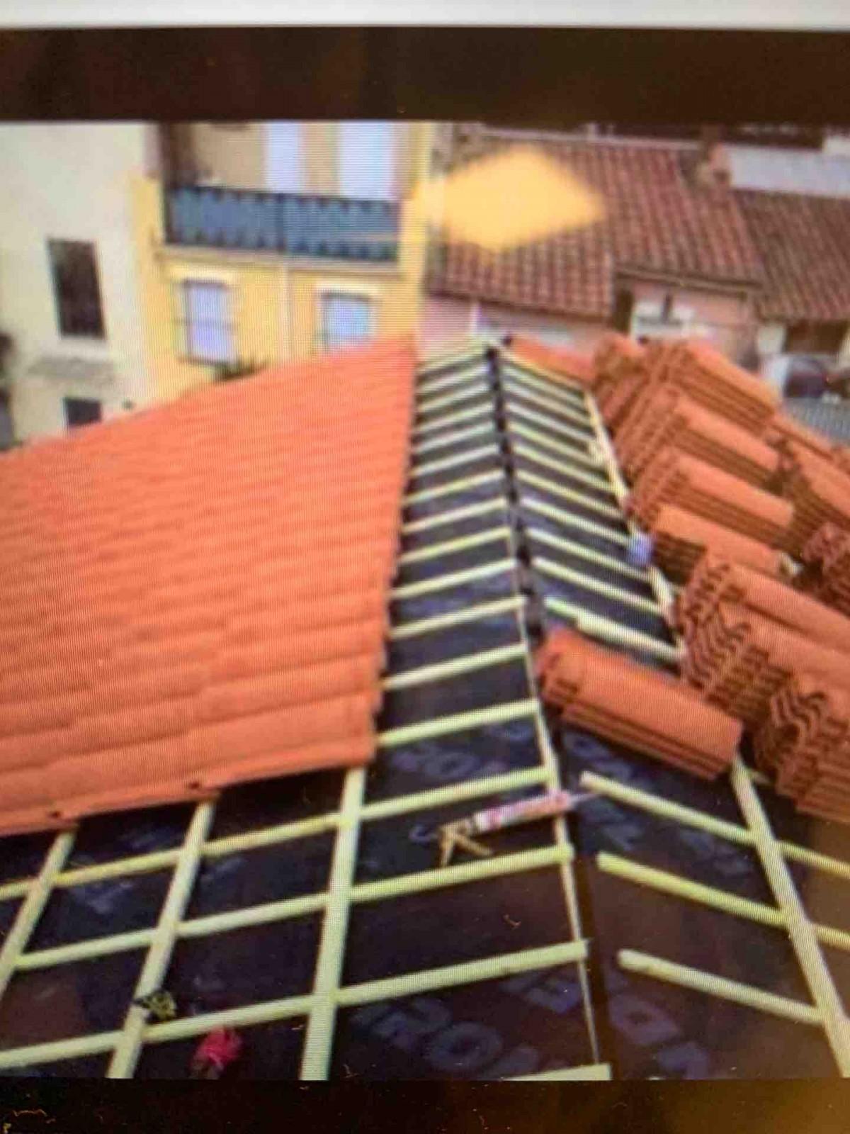 Faire réparer une toiture suite à une fuite do à Bordeaux ...